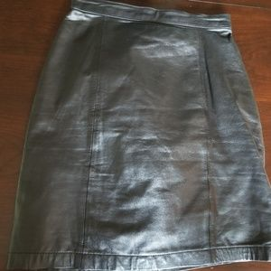 Byrnes and Baker black leather mini skirt